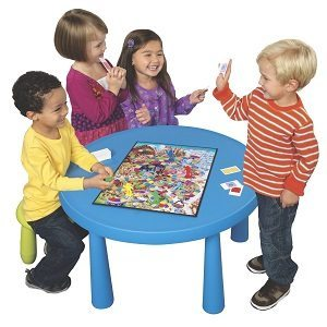 Kids-playing-Candy-Land-board-game