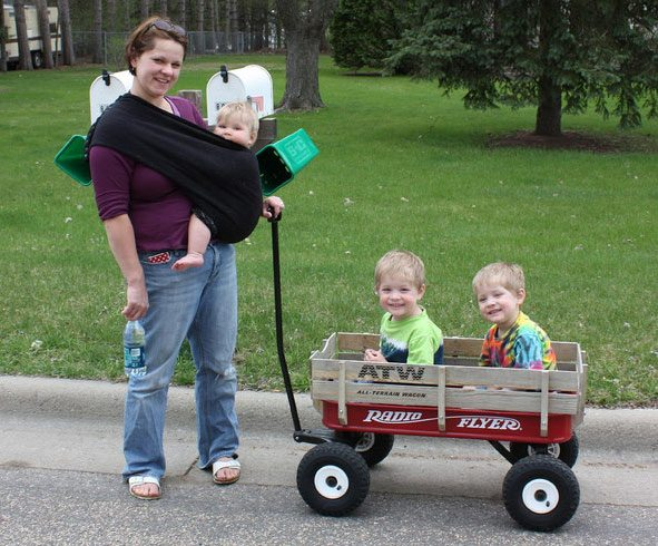 MOM-ADN-KIDS-WITH-WAGON