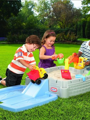 Top Kid's Sandboxes To Make The Backyard a Blast