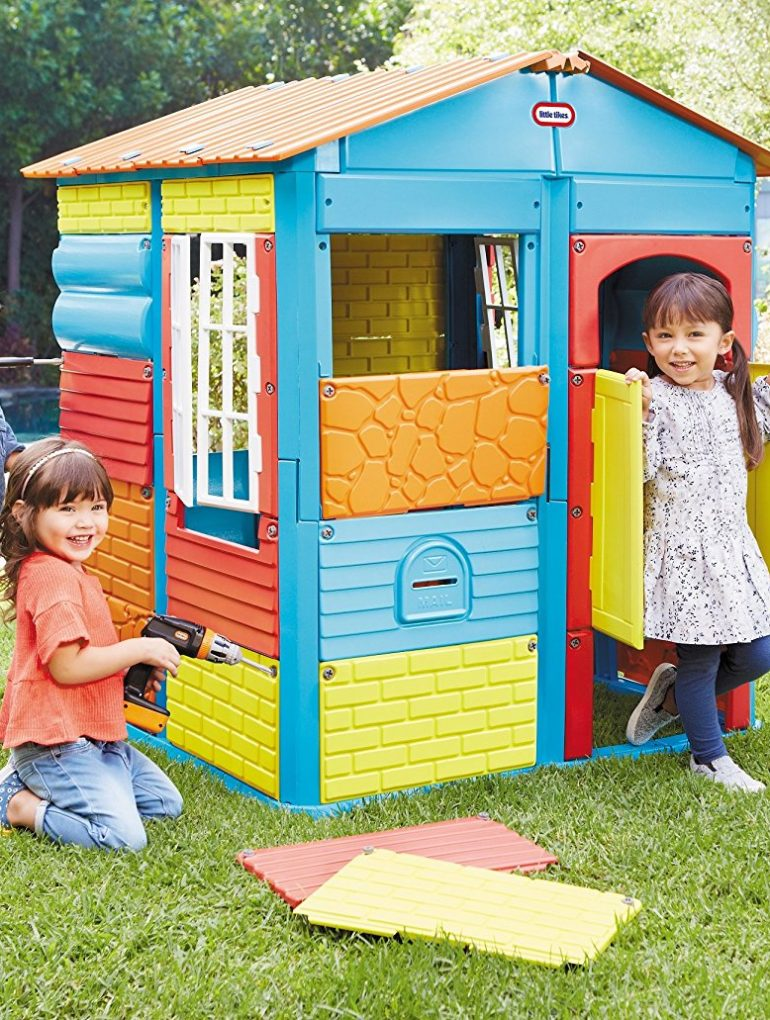 Top Kids Outdoor Playhouses For the Backyard