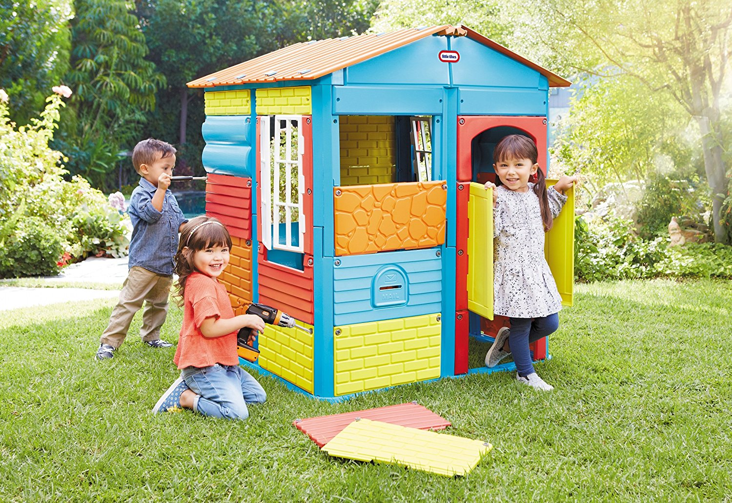 Top Kids Outdoor Playhouses For the Backyard   Amazing ...