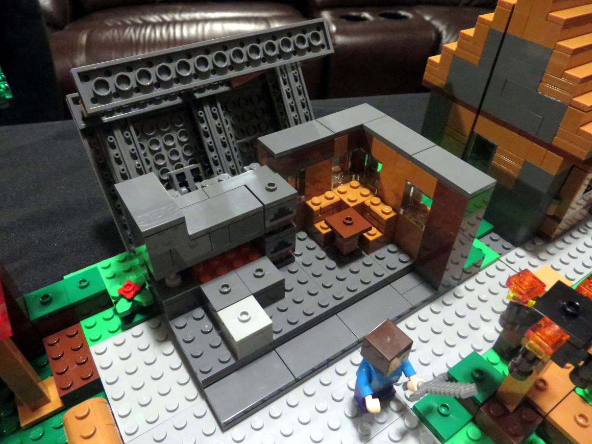 lego-minecraft-blacksmith-21128-sm